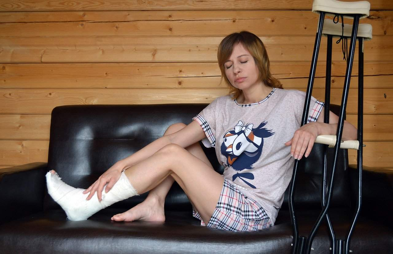 Girl with foot fracture